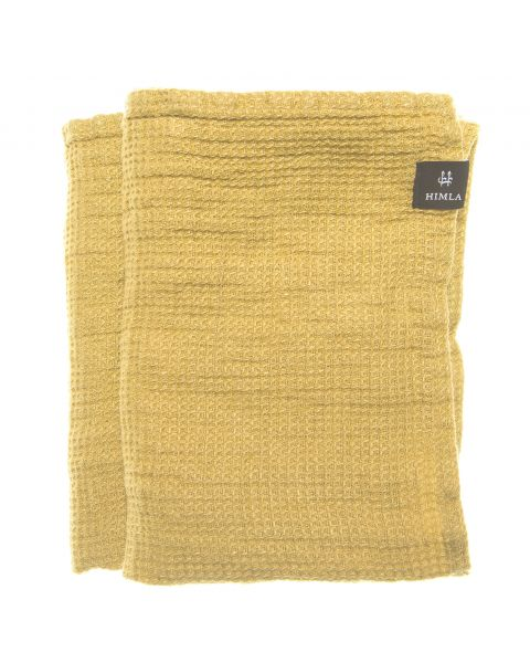 Fresh laundry handdoek yellowish